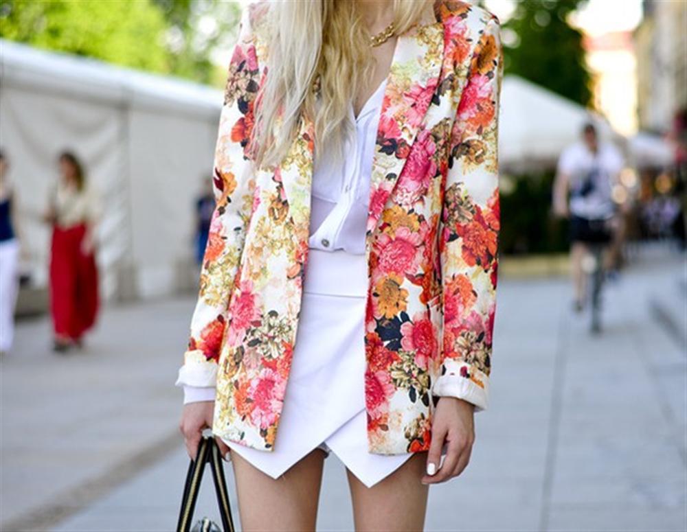tumbln-street-style-floral-jacket-white-skorts